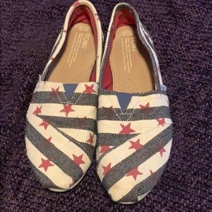 Tom's shoes 7.5